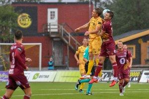 Kristian Fardal Opseth i hodeduell mot Kristiansund på hjemmebane.