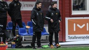 Kjetil Knutsen og Aasmund Bjørkan leder Bodø/Glimt fra benken i bortekampen mot Åsane.