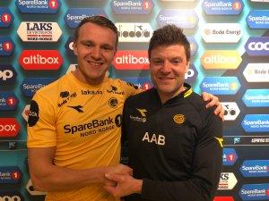 Marius Lode og Aasmund Bjørkan fornøyde etter at kontrakten til Lode ble forlenget.