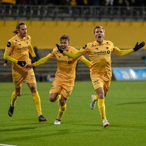 Amor Layouni, Fredrik André Bjørkan, Morten Konradsen etter seieren mot Rosenborg.