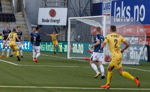 Martin Bjørnbak satt inn det andre målet til Bodø/Glimt under kampen hjemme mot Strømsgodset.
