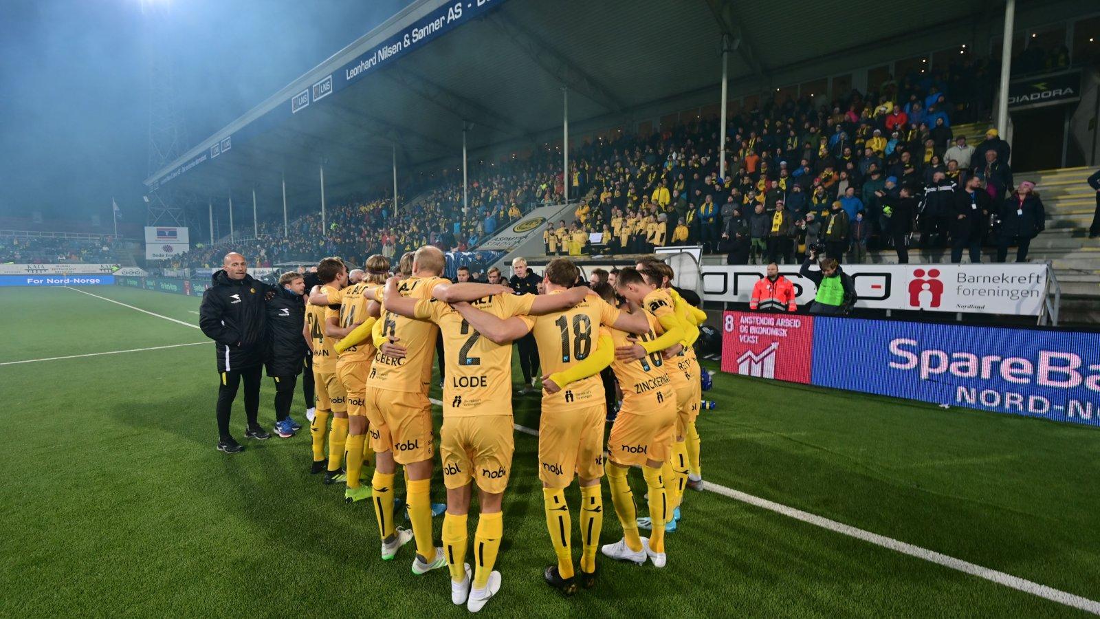 Aspmyra stadion. Tribune. Publikum. Bodø/Glimt mot Tromsø på Aspmyra i 2019.