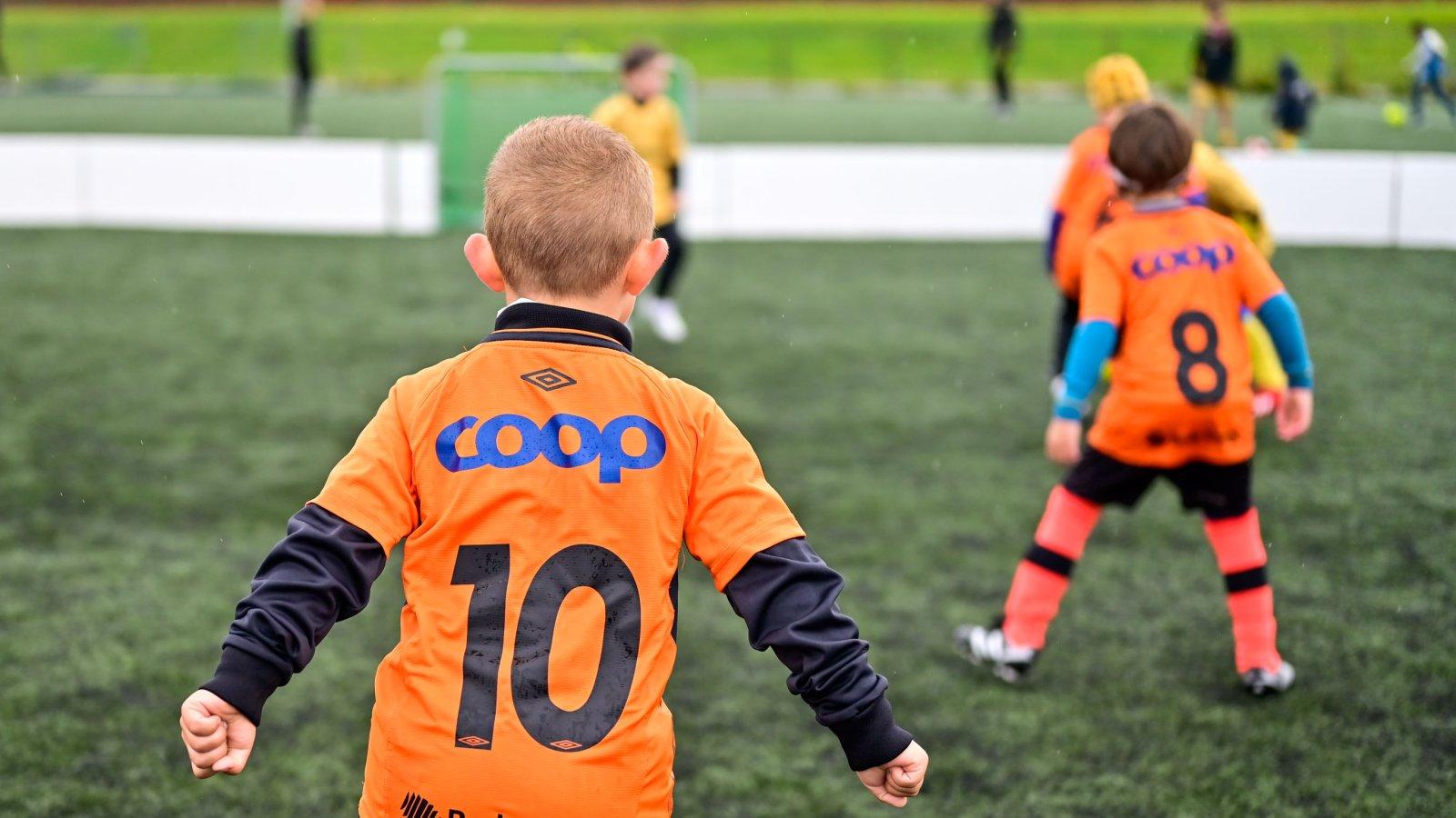 Barne - og ungdomsavdeling. Aspmyra Kunstgress. Fanzone. Fotballspilling. Fanzone 2019.