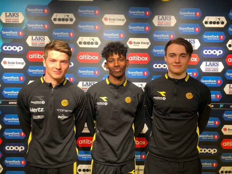 Mads Fagerli Halsøy, Adan Hussein og Elias Hoff Melkersen er glade for å ha forlenget kontraktene med klubben.