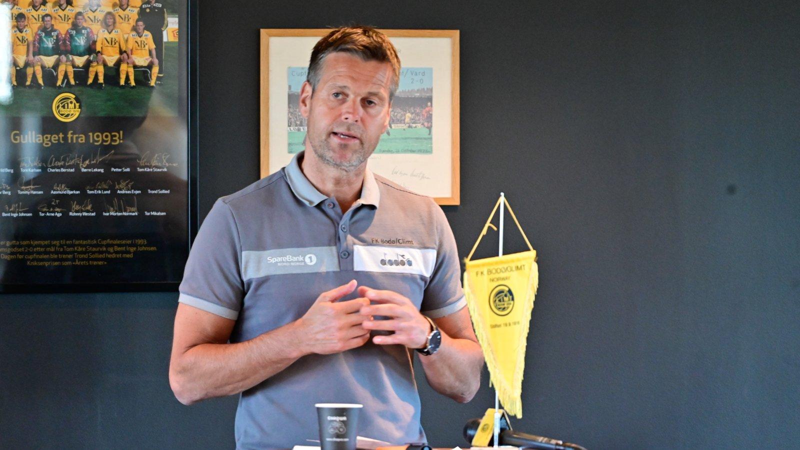 Åpent møte med trener Kjetil Knutsen og daglig leder Frode Thomassen under Åpen dag.