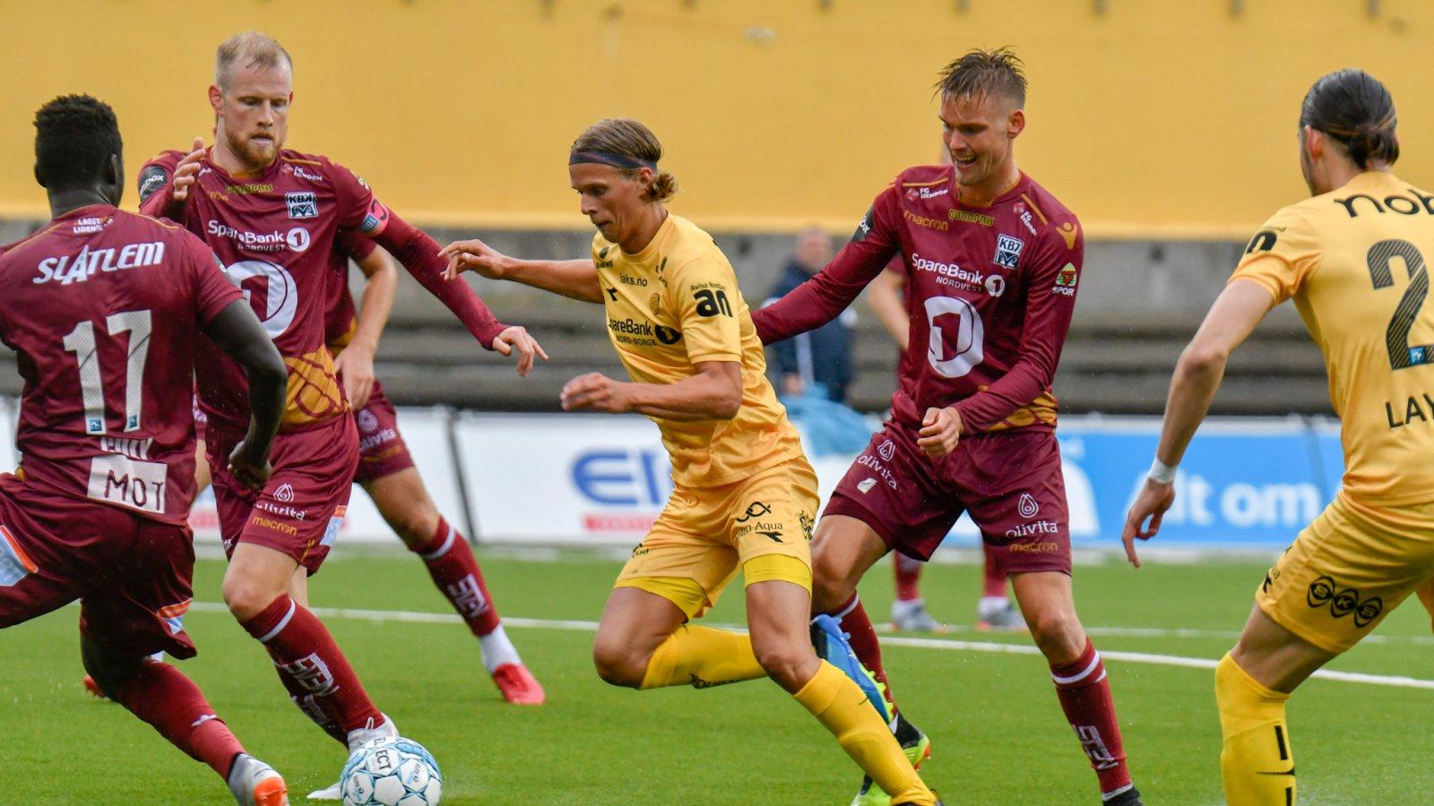 Ulrik Saltnes i aksjon under hjemmekampen mot Kristiansund.