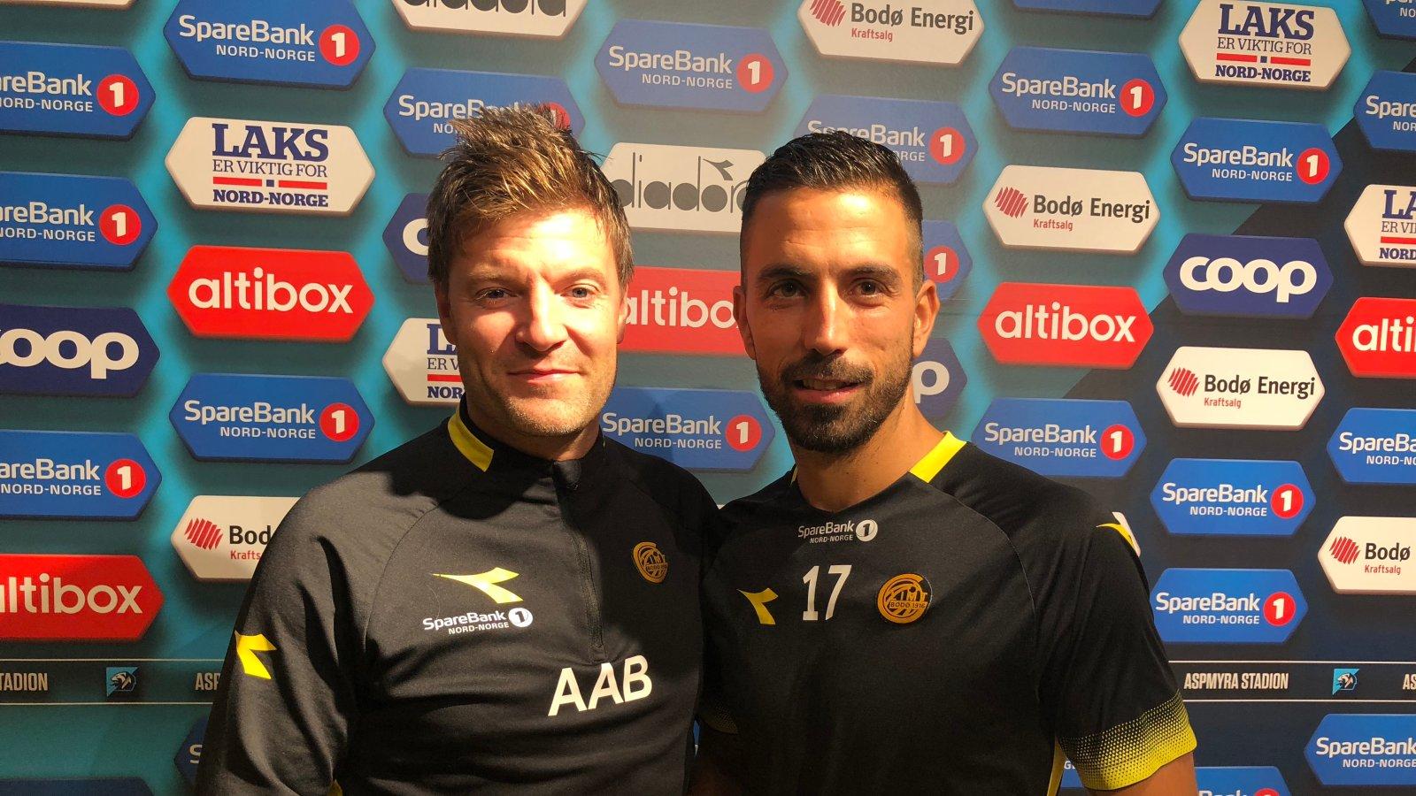 Sportslig leder Aasmund Bjørkan og Isidoro etter forlengelsen av kontrakten.