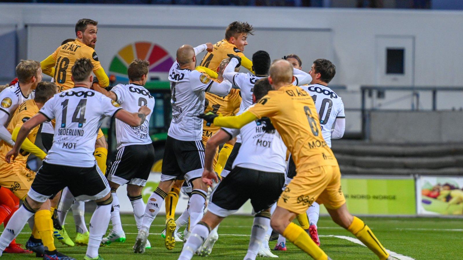 Bodø/Glimt mot Rosenborg på Aspmyra i 2019.