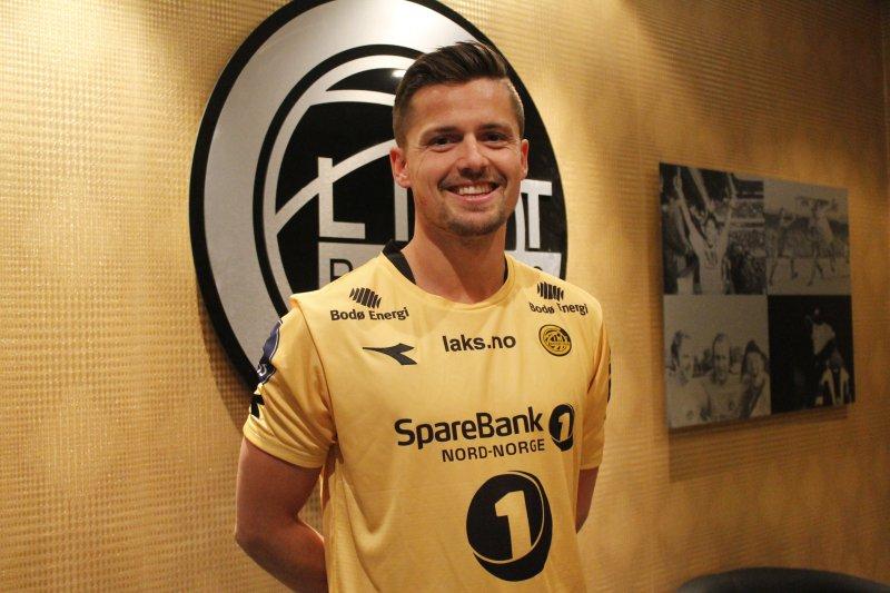 Smilende glad: Eirik Wollen Steen er glad for å ha signert kontrakt med de helgule. Foto: Niklas Aune Johnsen