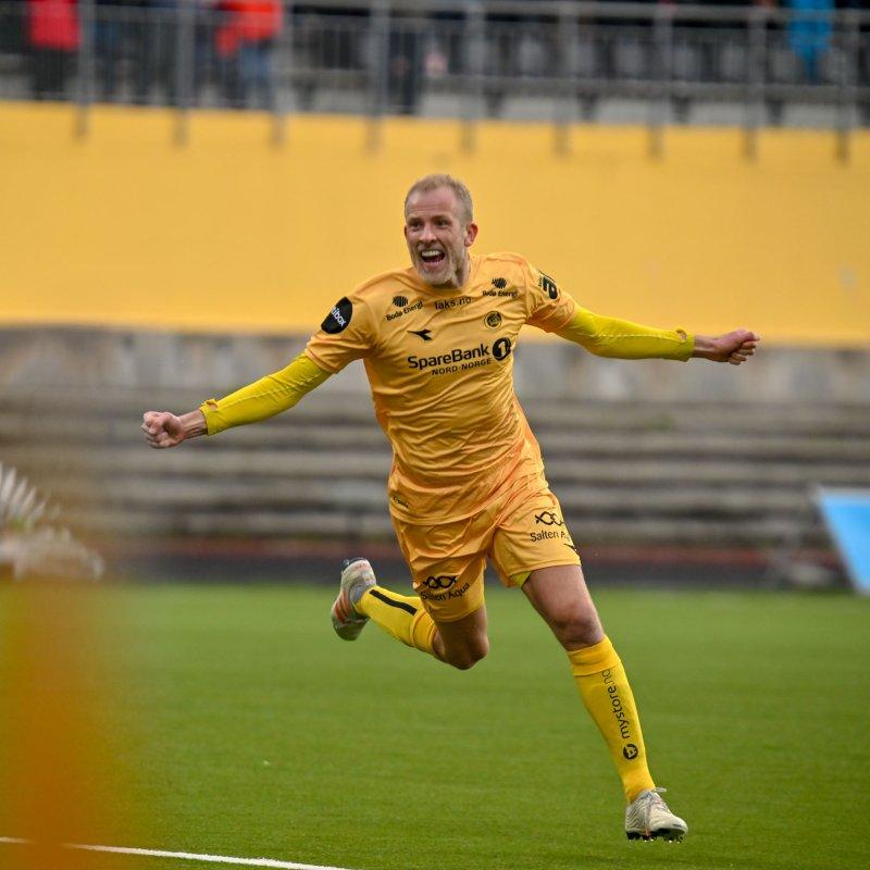 Vegard Leikvoll Moberg scoret en nydelig scoring fra rundt 35 meter i dagens internkamp. Foto: Kent Even Grundstad