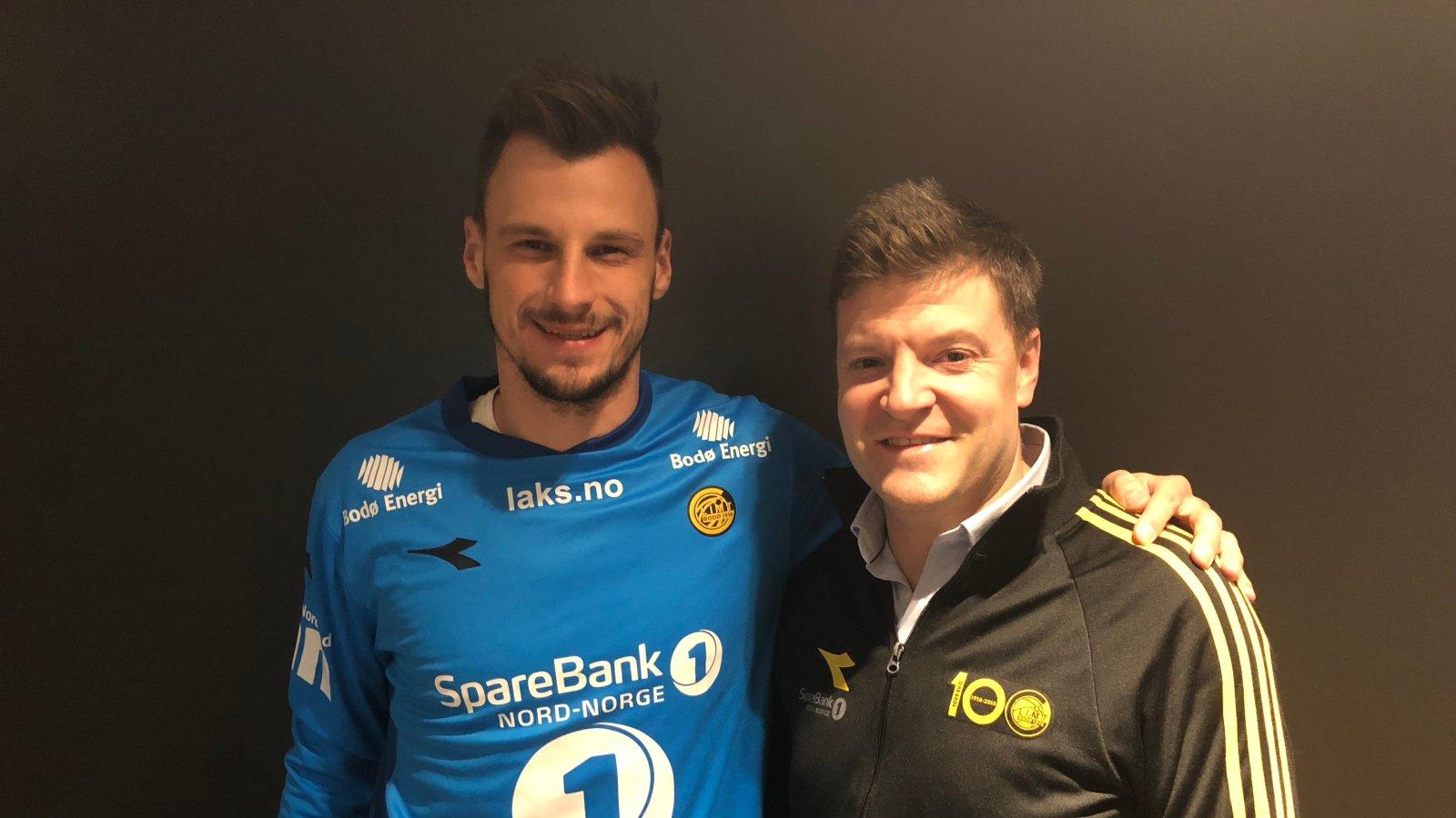 Zoran Popovic og Aasmund BJørkan er fornøyde med signering.
