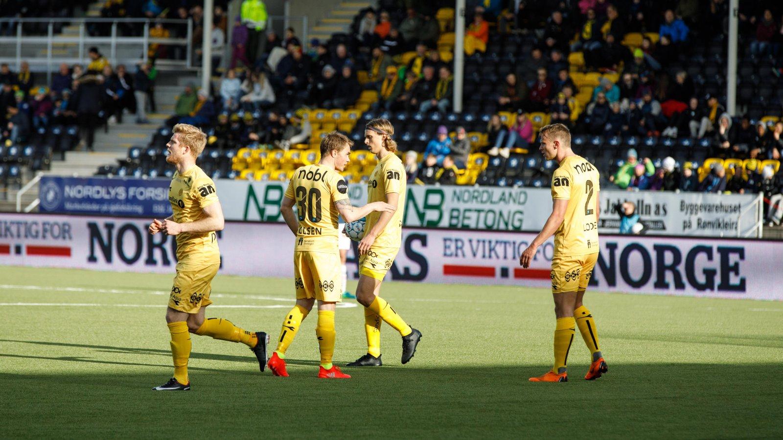 Emil Jonassen, Trond Olsen, Ulrik Saltnes og Marius Lode under kampen mot Strømsgodset.