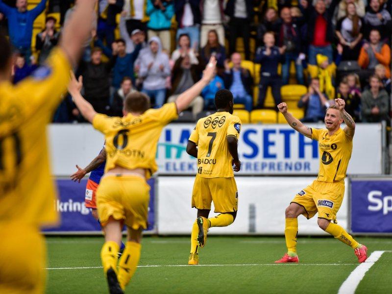 Badou har akkurat scoret i sin siste kamp for Bodø/Glimt og sikret Glimt den femte seieren på rad. Foto: Kent Even Grunstad